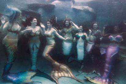 Mer-Magic Con, mermaids