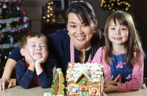 gingerbread house, family fun 1219
