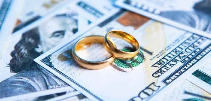 wedding rings, money, divorce. your finances 0121